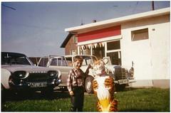 Esso Tankstelle (mknt367 (Panda)) Tags: 1966 gasstation esso vintage vintagecars ford mercedes taunus essotiger