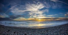 Plovan Beach (eins75) Tags: plovan bretagne france frankreich beach plage strand meer mer sea steine stones pierres wasser water eau sonne sun soleil wplken clouds brandung landschaft landscape
