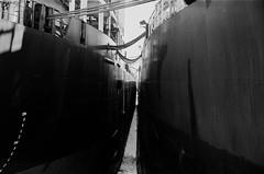 Il faut savoir larguer les amarres... (woltarise) Tags: vieuxmontréal port stlaurent fleuve bateaux quai mamiya hiver montréal