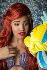 Flounder Tells A Story... (Ring of Fire Hot Sauce 1) Tags: cosplay rachellitfin littlemermaid ariel portrait redhead longbeachcomiccon lbcc