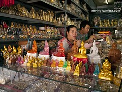 Workers Eating Lunch at Amulet Market, Bangkok, 2011 (deemixx) Tags: thailand bangkok souvenirshop trinketshop lunchtime