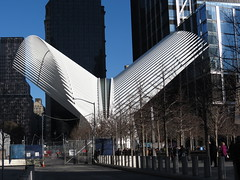 neue Path Train Station am WTC (germancute) Tags: usa nyc downtowncitynyc bridge brücke liberty freiheitsstatue downtown staten island ferry wtc one tower turm leuchtturm