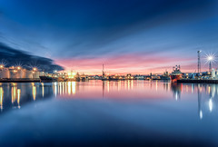 Sunset @ Aberdeen harbour-9.jpg (___INFINITY___) Tags: 6d aberdeen canonef1740mmf4lisusm harbour outdoor outdoors canon darrenwright dazza1040 eos infinity light longexposure magiclantern reflection scotland seascape sky sunset uk