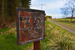Formartine and Buchan Railway - Old Mile Post (Stu Plunkett) Tags: buchan railway mile post 32 maud old deer rusty sign