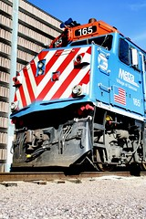 Metra 165 at Crystal Lake (Laurence's Pictures) Tags: northwestern muscle line cnw metra commuter passenger train railroad crystal lake illinois