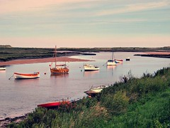 009 Burnham Overy Staithes (saxonfenken) Tags: 6809boats 6809 burnhamoverystaithes norfolk boats eveningsun creek tcf challengeyouwinner cyunanimous pregamewinner gamewinner a3b perpetual cy2 friendlychallenges