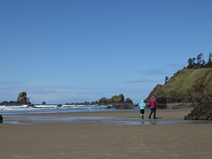 off to the tide pools (carolyn_in_oregon) Tags: crescentbeach cannonbeach pacificocean ecolastatepark coast alicia chiron