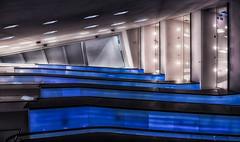 Treppenhaus im Dortmunder U (ellen-ow) Tags: dortmund dortmunderu gebäude geschäftshaus museum architektur treppe rolltreppe stair light blau blue licht ellenow nikond5