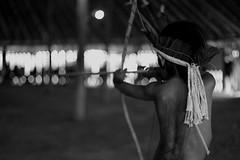 Indiozinho na competição de arco e flecha