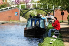 Fishing on the cut. (dlanor smada) Tags: grandunion aylesbury bucks chilterns canals fishing angling narrowboats