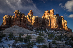 Winter torch (Bill Bowman) Tags: canyonlandsnationalpark needlesdistrict cheslerpark publiclandforpublicuse sunrise coloradoplateau