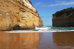 Loch Ard Gorge (tom.edwards1974) Tags: victoria australia landscape seascape color colour cliffs sky sea ocean beach shore waves loch ard lochard gorge port campbell portcampbell bass straight bassstraight