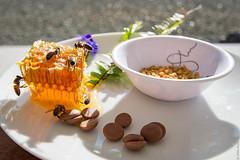 Petit dej' à l'Apikwuantaï (Lilian Alizert) Tags: miel honey bee breakfast gîte apikwuantaï apikwuanthaï déjeuner petitdéjeuner