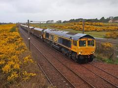 Troon Lochgreen  - 14-04-2017 (agcthoms) Tags: scotland ayrshire troon lochgreen railways trains gbrf class66 66738