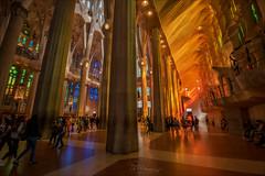Sagrada Família (W.MAURER foto) Tags: sagradafamília spanien katalonien barcelona gaudi antonigaudi modernisme kirche kathedrale kathedral architektur nikon nikond810 tamron1530mmf28 tamron tamron1530f28vc orange gelb blau bunt colors colorful modern architecture