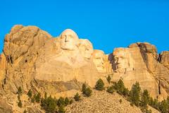 First Light on Mount Rushmore (Thomas Hawk) Tags: abrahamlincoln america blackhills georgewashington gutzonborglum keystone lincolnborglum mountrushmore mountrushmorenationalmemorial mtrushmore patriotism southdakota teddyroosevelt theodoreroosevelt thomasjefferson usa unitedstates unitedstatesofamerica politics president presidents sculpture us fav10