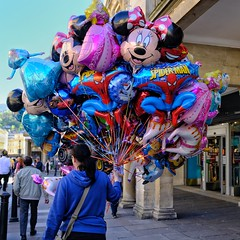 Saturday Afternoon in Bath: Balloon Vendor. (velodenz) Tags: fujifilm x100f fujifilmx100f fujiusers velodenz england bath bnes banes united kingdom uk great britain gb digital image pic picture phot photo photograph photography streetphoto views balloonvendor flickr trending outside repostmyfuji repostmyfujifilm fuji xseries 2000 2000views