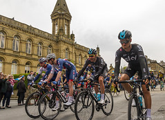 IMG_9968 (nea-designs.com) Tags: cycling bike cyclerace letouryorkshire tourdeyorkshire saltaire victoriahall