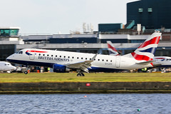 G-LCYI British Airways E170 at London City EGLC (AeroPics) Tags: crest cj ba britishairways londoncityairport londoncity embraer170 embraer baw cfe lcy e170 eglc runway09 steepapproach bacityflyer toflytoserve stolport