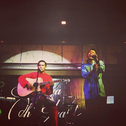 @myo_ @miorluqmanhakim & @afiqoramber performing at Yuna Raya Oh Yeah Hi Tea. Wehuu!