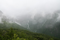 Rainforest (Raphs) Tags: mountains green wet water rain weather norway fog clouds forest grey norge waterfall nationalpark low glacier hanging streams canoneos350d humid raphs folgefonna tamronspaf1750mmf28xrdiiildaspherical shredsofclouds buardalen buarbreen buarde