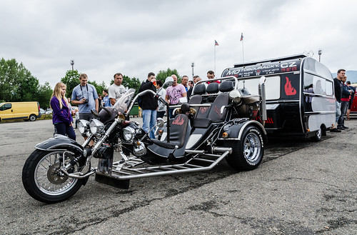 Customized Boom Family II Muscle trike with caravan