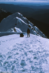 The Sentinel, 1985 (NettyA) Tags: snow mountains skiing australia crosscountry nsw newsouthwales kodachrome xc 1985 scannedslide kosciuszkonationalpark thesentinel 35mmslidefilm snowymtns