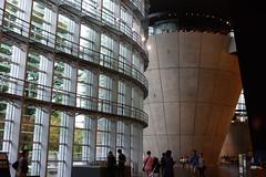 DSC09879.jpg (ntstnori) Tags: architecture tokyo sony  roppongi artmuseum f28 minato kishokurokawa  carlzeiss  2470mm   variosonnar  thenationalartcentertokyo variosonnart2470mmf28zassm
