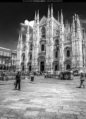 Milan Cathedral (Duomo di Milano) (Riccardo Spallone) Tags: street trip bw white black milan photography iso200 blackwhite nikon photographer cathedral milano duomo riccardo 18mm d90 1160 spallone ƒ16
