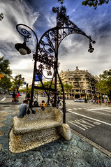 Barcelona (R.o.b.e.r.t.o.) Tags: spain barcellona spagna casamil lapedrera antonigaud hdr1raw