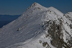 Snow trace toward the mountaintop (Yoshia-Y) Tags: mountain snow mthoken japancentralalps