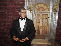 Oscars Party Host (larry_boy17) Tags: hot toys hottoys perseus percy david white davidwhite tuxedo exterior apartment party brick figure actionfigure action actionfigures toy oscars oscar scene diaroma door setup people person samworthington