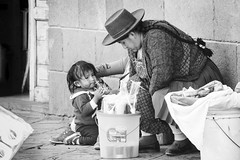 ..Par Amour...By Love (geolis06) Tags: geolis06 pérou peru 2016 amériquedusud southamerica cuzco portrait indien indian olympusem5 olympussouth americaportraitindienindianmarketmarchéstreet em5omed cusco bw nb blackwhite noirblanc street rue love amour amor olympusm75300mmf4867ii
