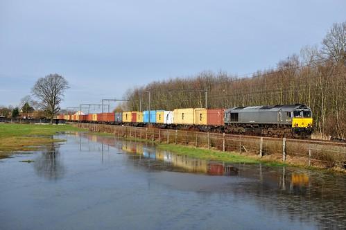 CR DE6306 met MSC op lijn 35 in Berbroek bij Hasselt