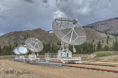 Hellooo Ooout Theeere (joeinpenticton Thank you 1.3 Million + views) Tags: research facility dominion radio astrophysical observatory penticton white lake joeinpenticton joe jose garcia ok okanagan falls valley okanogan oliver astronomy telescope telescopes national council canadas herzberg astrophysics institude hdr threeexposurehdr 3 exposure three 3exposurehdr hand held