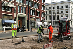 there are workers.... (Elly Snel) Tags: mpt537 matchpointwinner rotterdam werkers work