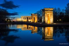 Temple de Debod (McGuiver) Tags: olympus epl5 pen madrid debod temple nightphotography bluehour rushhour horaazul horablava