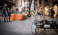 Sant Jordi és una de les festes més maques que tenim - 23è dia 30DEB (xavi.calvo) Tags: 30 días en bici 30daysofbiking instagram instagood instaday instabike instabikes biker ciclista ciclismo altrabajoenbici enbicixbcn bike bcn bikelove instabicycle ridebarcelona amics de la alegre 30deb 30dob bicicleta biciurbana mejorenbici movilidadsostenible monocromático cavalldacer