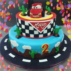 #buonaseragolosoni #tortacompleanno #pastadizucchero #cars by @sabry74andre #cakedesign #italianpastry #pastrypassion decorazione by Simone di @sagresti #solocosebelle #solocosebuone #pasticceriapeggi #follonica #ciaopaolo #andiamoavanti