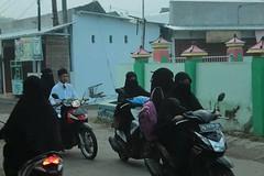 16832084_1358376270904106_1796439862526272269_n (Aisha Niqabi) Tags: hijab niqab niqabi