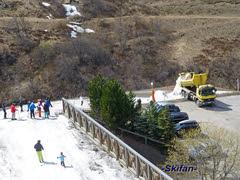 Camion avec de la neige (-Skifan-) Tags: camionavecneige lesmenuires pistefontanettes 3vallées les3vallées skifan