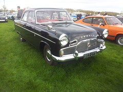 1959 Ford Zephyr (quicksilver coaches) Tags: ford zephyr 993uys earlsbarton