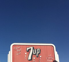 It Likes You! (Debra van Hulsteyn) Tags: merced 7up neon