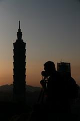IMG_2227 (BrellLi) Tags: taiwan taipei taipei101 xiangshan 象山 六巨石 sunset 日落 canon6d sigma24105mmart silhouette