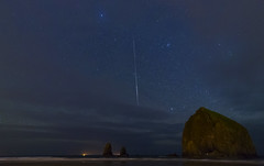 Haystack Meteor (Flat-Sax Jones) Tags: stars long exposure night nightscape haystack rock cannon beach oregon pacific ocean meteor shooting star clouds