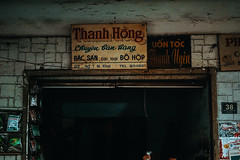 _DSC4913 (Tiến Long) Tags: street life streetlife black blackandwhite white dalat đà lạt vietnam việt nam old market streetseller seller work