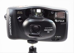 Fuji Discovery 90 Date (www.yashicasailorboy.com) Tags: fujiphoto fujifilm finepix 35mm camera discovery90 japan fujinon 1990s