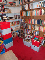 2017_04_100003 (Gwydion M. Williams) Tags: books bookcases sorting coventry britain greatbritain uk england warwickshire westmidlands chapelfields sirthomaswhitesroad