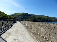 Eugi, Navarre, Espagne: barrage sur l'Arga. (Marie-Hélène Cingal) Tags: espagne españa spain navarre navarra eugi