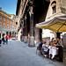 Bologna; Piazza della Mercanzia (iharsten) Tags: bologna piazzadellamercanzia pappagallo april 2017 easter portico